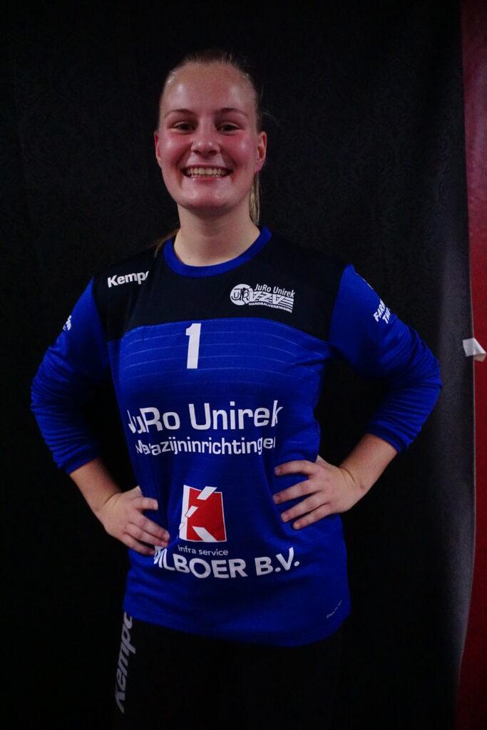 B - 01 Mieke Bes